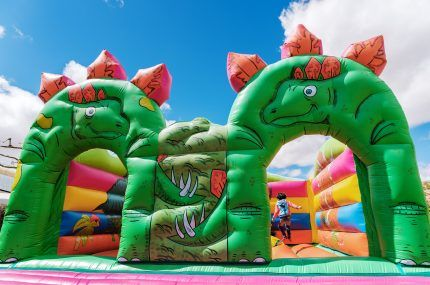How to Choose the Right Jumping Castle for Hire